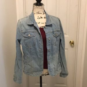Jean jacket with lots of pockets!